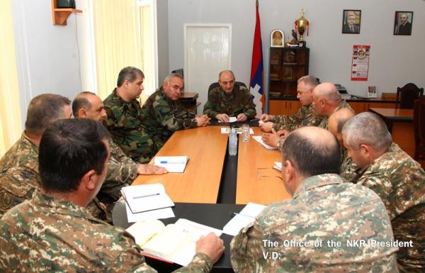 Президент НКР посетил один из участков границы на юге республики