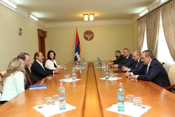 Президент НКР: Карабах планирует расширить сотрудничество с фондом «Дети Армении»